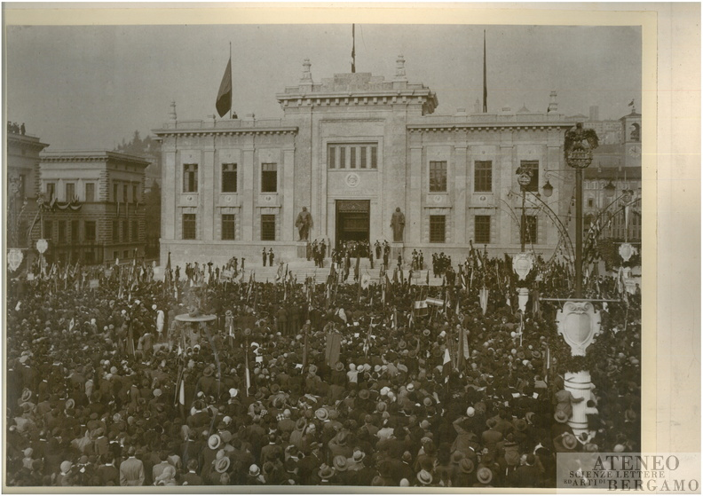 1925-Visita del Re alla Camera di Commercio_00001.jpg
